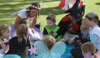 Let Krystal entertain your little guests with games, face painting and balloon twisting